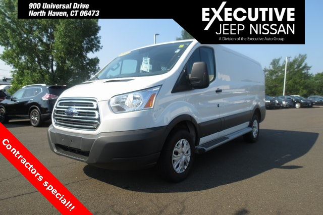 PRE-OWNED 2018 FORD TRANSIT-250 BASE RWD 3D LOW ROOF CARGO VAN